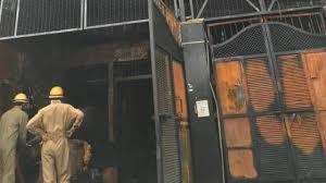 दिल्लीः नरेला की फैक्टरी में लगी आग, दमकलकर्मियों ने पाया काबू