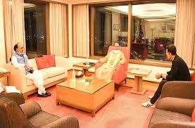 बॉलीवुड हस्तियों से मिले CM योगी, नोएड़ा में बनने वाली फिल्म सिटी को लेकर की चर्चा